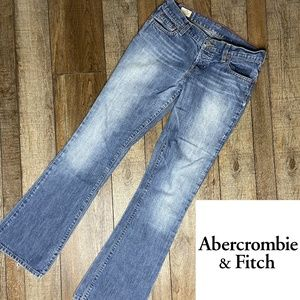 🍁 Abercrombie and Fitch Flare Jeans Size 2R